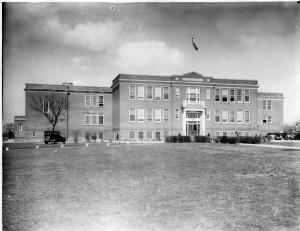 8005-000-015 Caesar Rodney School Building March 24 1932
